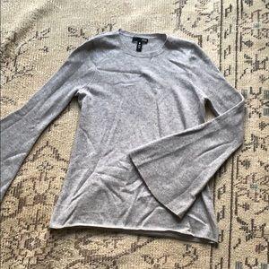 Aqua 100% cashmere bell sleeve sweater